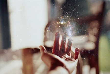 energy,hand,light,magic,pretty,beautifulpic-d678c777f7c111ff023ae5302e20c956_h